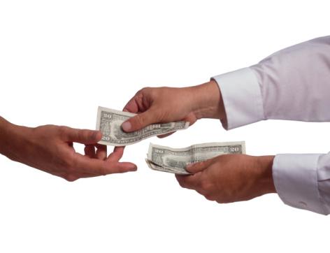 Photo of Bolehkah Perusahaan Membayar Gaji dengan Mencicil?