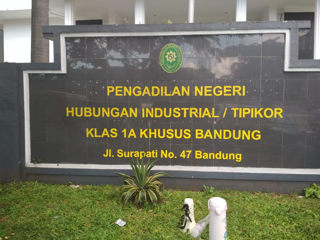 Photo of Lanjutan Sidang Perselisihan Kenaikan Gaji Pokok, Hakim PHI Periksa Legal Standing Kuasa PT. Bridgestone Tire Indonesia
